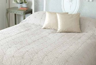 Victoria quilt oyster king